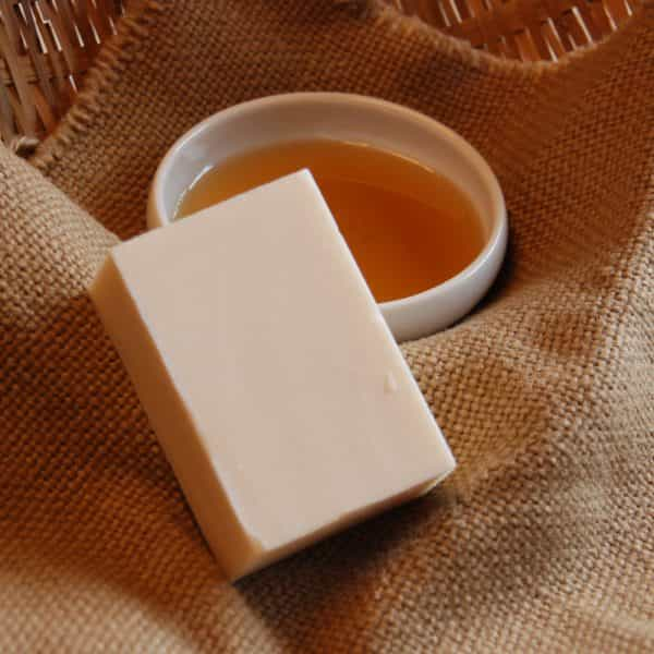 蜂蜜牛奶皂 Honey & Milk Soap